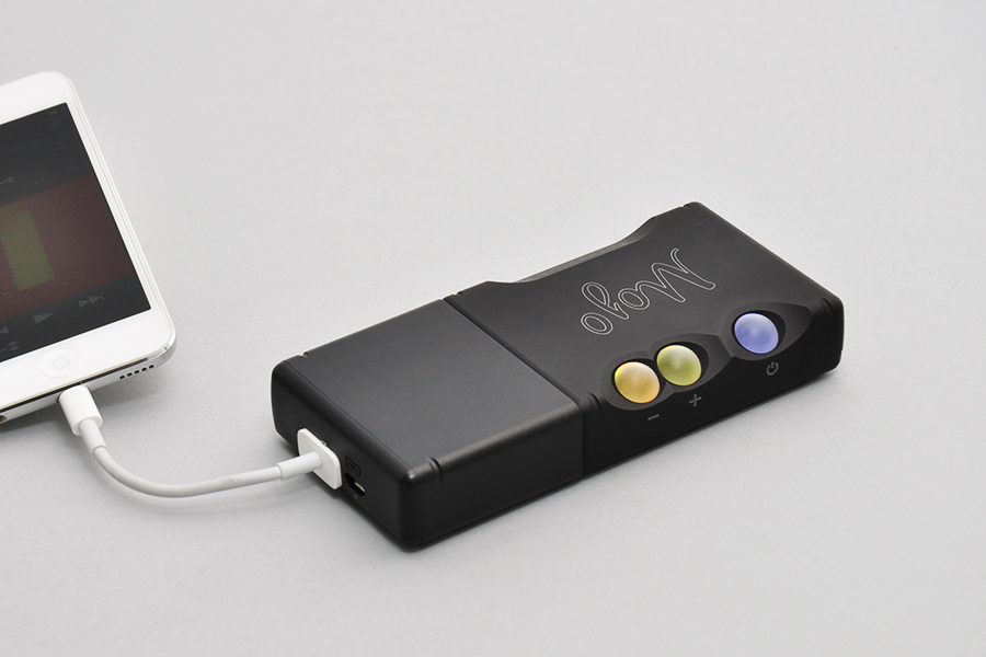 Видеоинструкция. Как подключить iPhone через USB-Адаптер из набора кабелей Chord Mojo